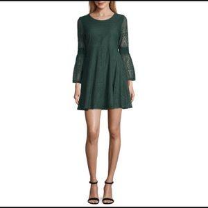 Burgundy mid sleeve dress